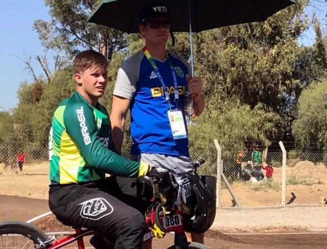 Brasileiros são TOP5 no Time Trial do BMX em Cochabamba1.jpg