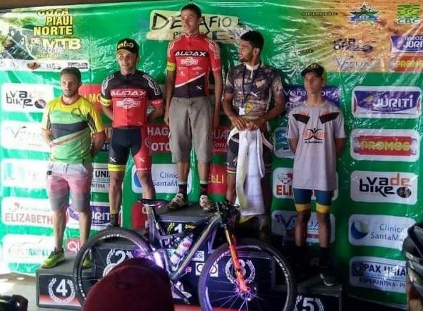 O campeão na Elite Masculina, Francisco Édio e o vice, Marcelo Trindade. Foto Aquivo Pessoal.