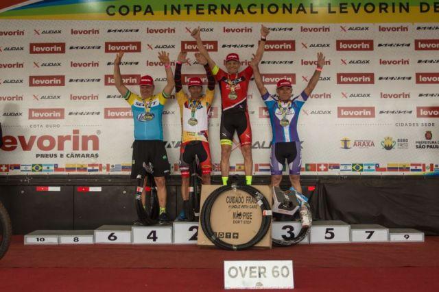 Atleta Revenda, Werner Wind é campeão na 'Over 60'. Foto Equipe Audax..jpg