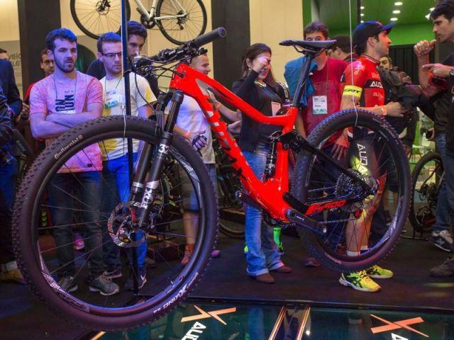 Audax Party agita segunda noite da Bike Brasil com lançamento exclusivo (1).jpeg