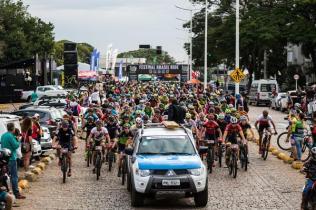 Ciclista olímpico em Atenas, Edivando de Souza Cruz é atração no Warm Up Ilhabela Brasil Ride (5)