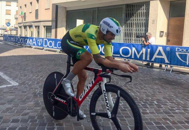 Lauro Chaman acelera no Mundial de Paraciclismo e conquista prata na prova contrarrelógio.jpg