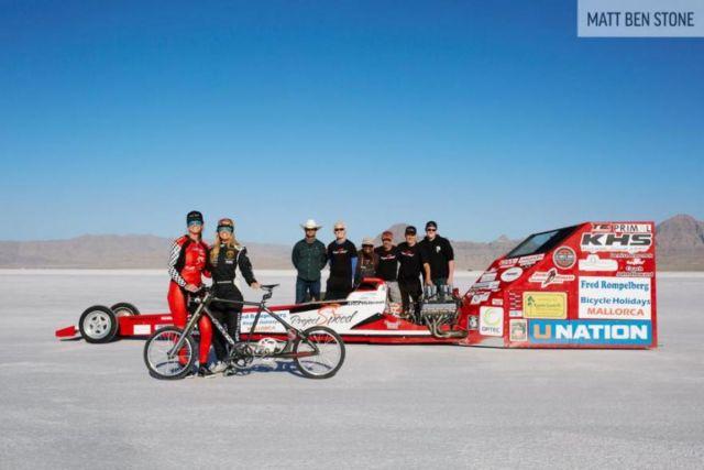 Vídeo  Norte-americana estabelece recorde mundial de velocidade a 296kmh (2).jpg