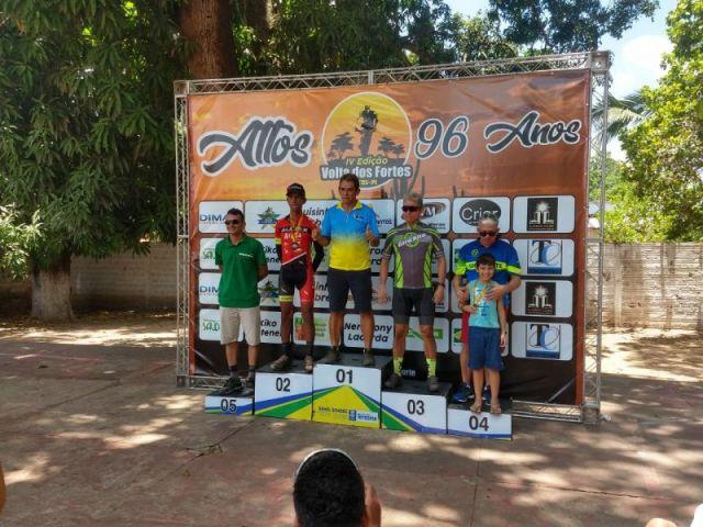 Categoria'Over 50 tem Francisco Oliveira em 2ª posição. Foto Arquivo Pessoal..jpeg