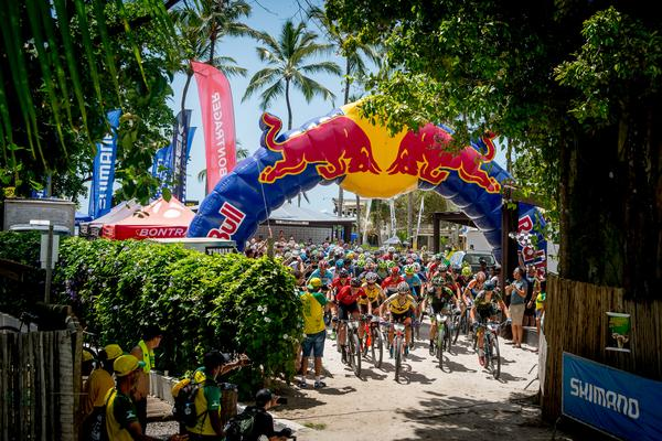Largada da Brasil Ride em Arraial d'Ajuda (Armin Kuestenbrueck  Brasil Ride).jpg