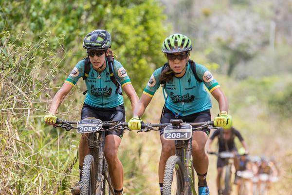 Marcella Toldi e Viviane Favery (Wladimir Togumi Brasil Ride)