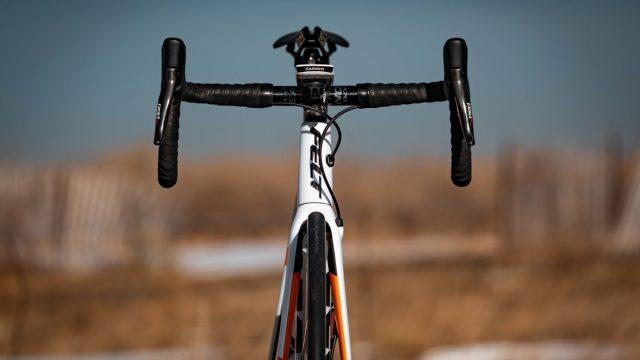 A equipe Rally-UHC apresenta sua bicicleta Felt para 2019 (7)