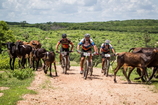 No circuito das Bikes em Iguatu (CE), o sol foi o maior desafio (3)
