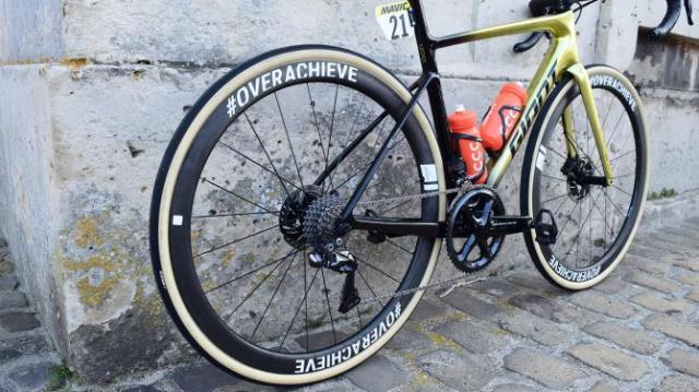 A Giant Defy de Greg Van Avermaet na Paris-Roubaix 2019 (9)