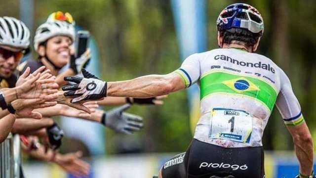 Henrique Avancini vence a maratona no 1º dia da CIMTB, etapa de Araxá (MG) (3)