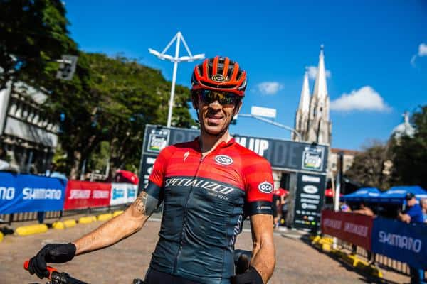 Hugo comemorou o terceiro lugar (Wladimir Togumi Brasil Ride)