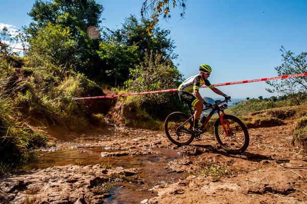 Warm Up do Festival Brasil Ride começa com recordes nas elites masculina e feminina (5).jpg