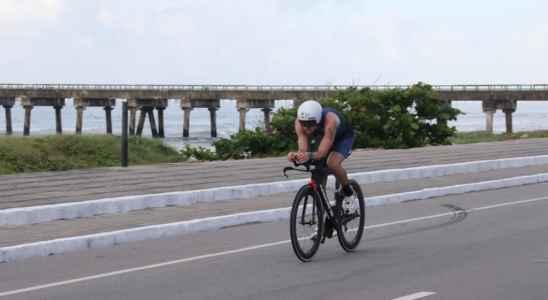 ciclista-em-acao-ironman-maceio-alagoas
