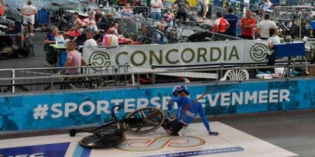 Pista de velódromo se solta e perfura pulmão de um ciclista (2)