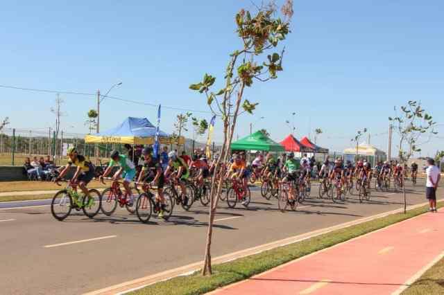 ciclistas-mostram-superacao-no-1º-dia-das-provas-de-resistência-do-brasileiro-master-2019 (3)
