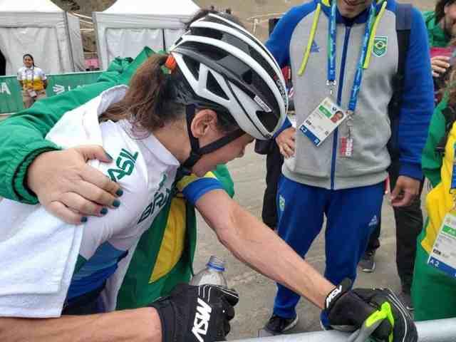 jaqueline-mourao-conquista-a-medalha-de-bronze-em-lima-2019 (2)
