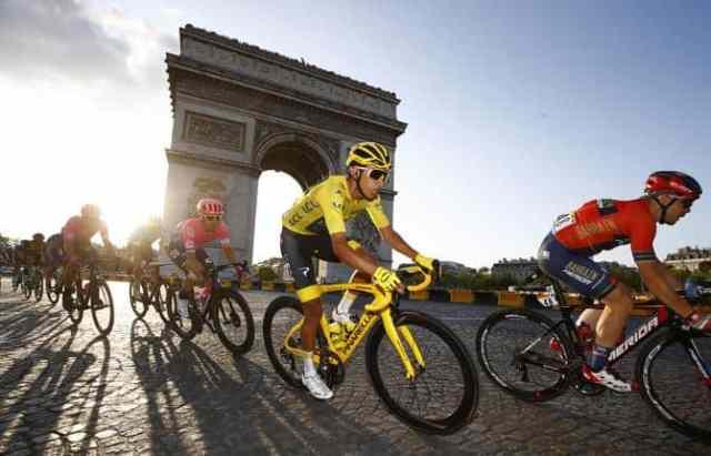tour-de-france-2019-20ª-etapa-caleb-ewan-vence-e-egan-bernal-vence-na-classificacao-geral (3)