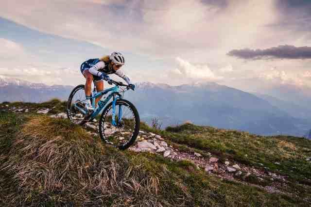 nova-trek-supercaliber-uma-bicicleta-para-corridas-de-cross-country-em-uma-categoria-propria (2).jpg