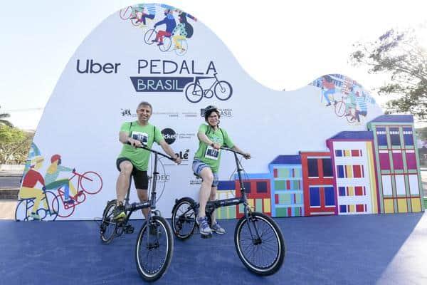 pedala-brasil-em-bh-reune-3-mil-pessoas-num-domingo-de-muito-lazer (2)