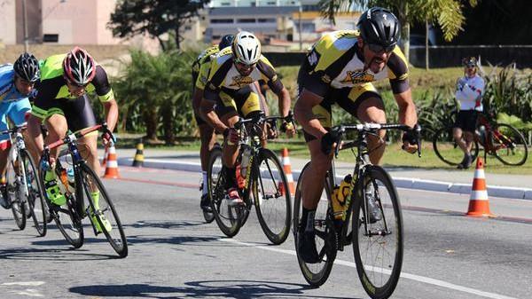 promax-bardahl-compete-domingo-(22)-na-5-etapa-do-campeonato-valeparaibano-de-ciclismo