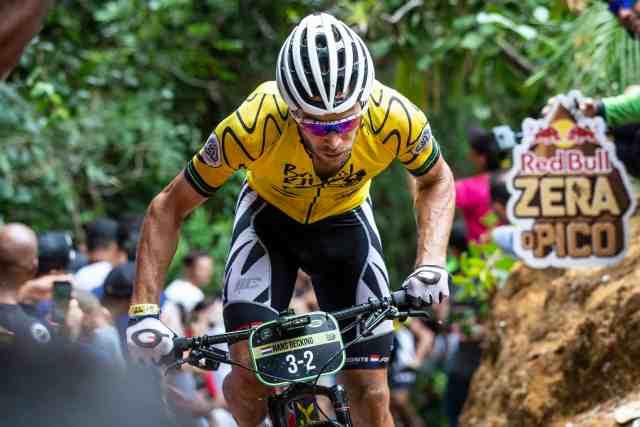 holandes-e-brasileira-se- tornam-rei-e-rainha-da-montanha-no-zera-o-pico-na-brasil-ride-2019 (2)