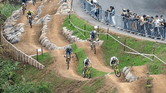 schurter-vence-e-avancini-em-quinto-no-evento-teste-em-toquio-na-pista-olimpica-de-xco (3)