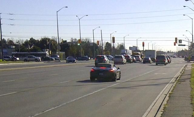 Steeles Ave traffic