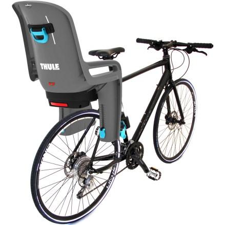 cadeirinha-de-crianca-thule-ridealong-para-bicicletas-fixacao-no-quadro-cinza-claro-na-bike3_3254