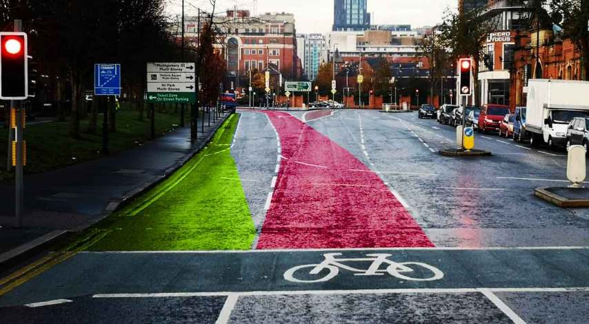 A constant prioritised flow of left turning traffic from the middle lane cuts off city centre access