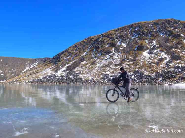 cycling the the frozen lake nevada de toluca