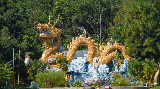 Dragon at Wat Tha Ton