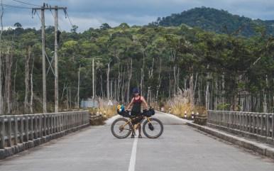 Daška na mostě u Nam Theun 2