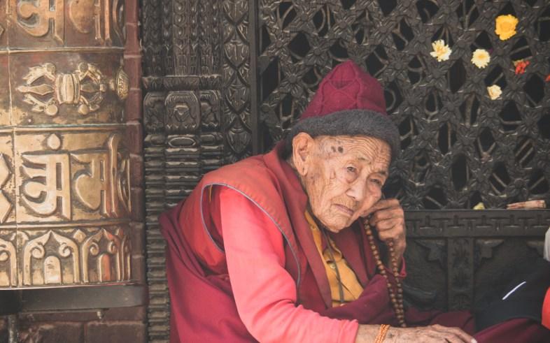 Buddhistická mniška v Boudhanathu