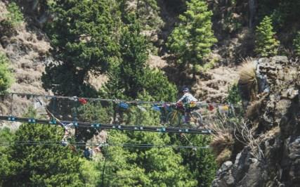 Daška na visutém mostě. Kalopani, Nepál