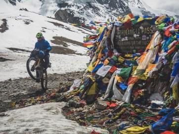Onewheeling in 5416m asl. Thorong La, Nepal