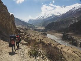The Porters. Manang, Nepal