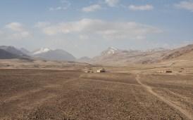 Osamělý dům. Jezero Churunkul, Tádžikistán