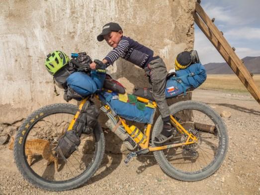 Mladý kyrgyzský jezdec. Oblast Alichur, Tádžikistán