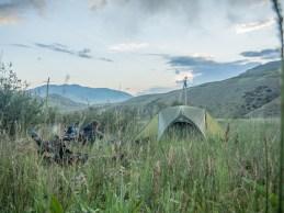 Letní slunovrat 2018. Oblast Kazarmanu, Kyrgyzstán