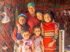 Síla rodiny. Kok-Djar, Kyrgyzstán