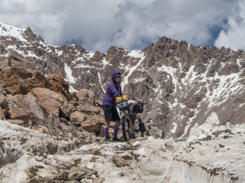Real top of the pass. Tosor Pass, 3895m asl. Kyrgyzstan