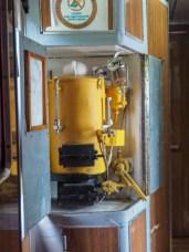 Malý jaderný reaktor ohřívající vodu na kávu a čaj. Vlak do Moskvy, Kazachstán