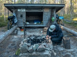 Kůra a křesadlo. Oblast Tornio,, Finsko