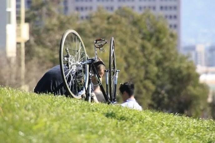 Why bicycle spokes break