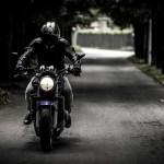バイクヘルメットの価格差、何が違うのか?