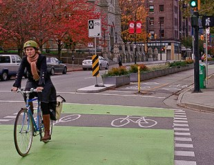 Federal Highway Administration introduces separated bike lane planning and design guide