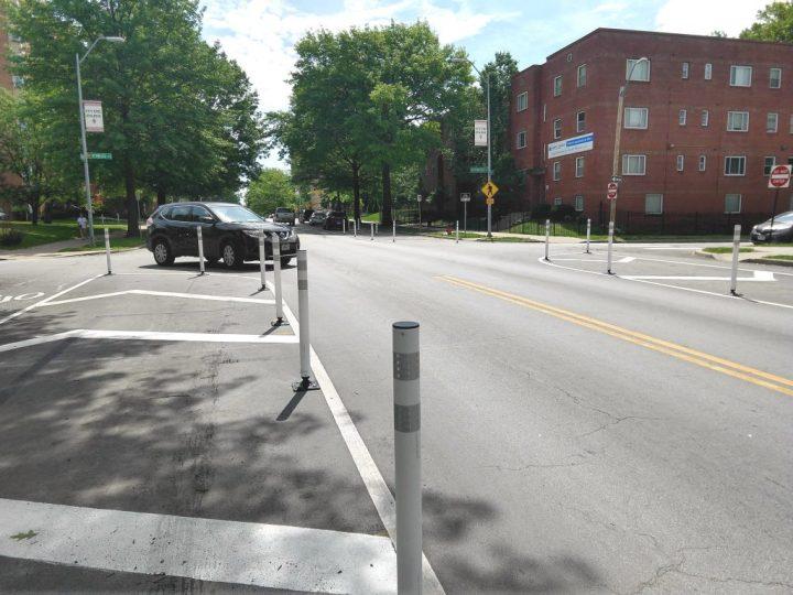 Armour Boulevard at Kenwood Street