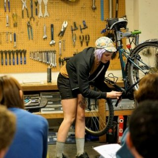 Adult Evening and night bicycle repair classes in Seattle