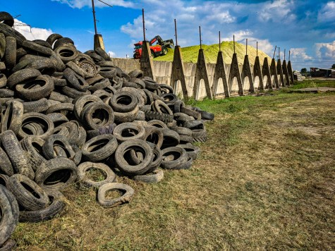 Tires will be used to cover the green mass