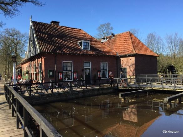 Ein beliebtes Ausflugsziel nicht nur für Einheimische. Direkt bei Schloss Singraven gelegen.